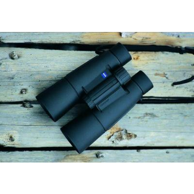 Бинокль Carl Zeiss 8x50 T* Conquest